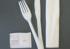 Napkin cutlery set
