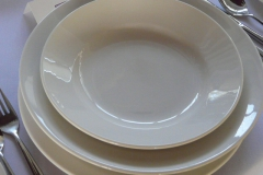 280 mm dinner plate, 280 mm pasta plate and 230 mm soup or dessert bowl